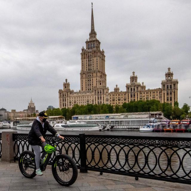 Moskva 'pozira' za razglednicu