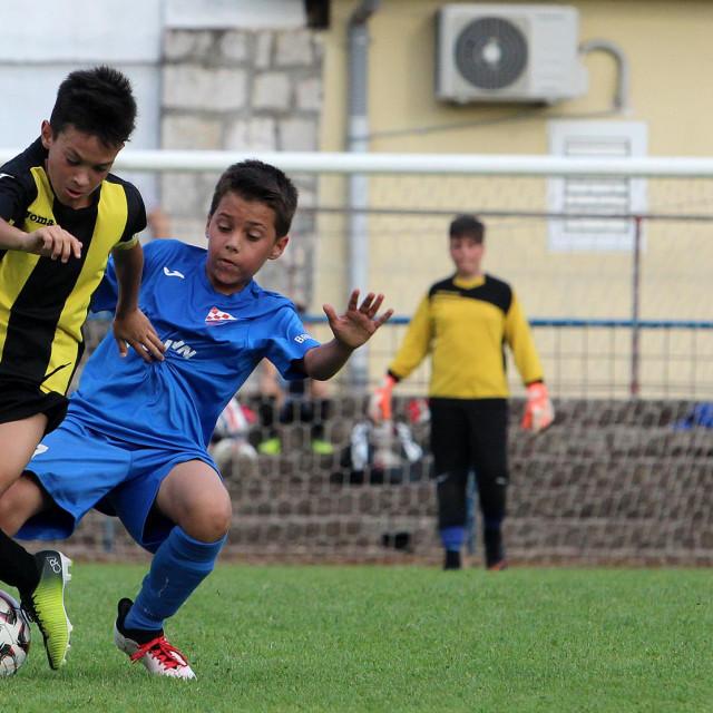 Mali nogometaši foto: Tonči Vlašić