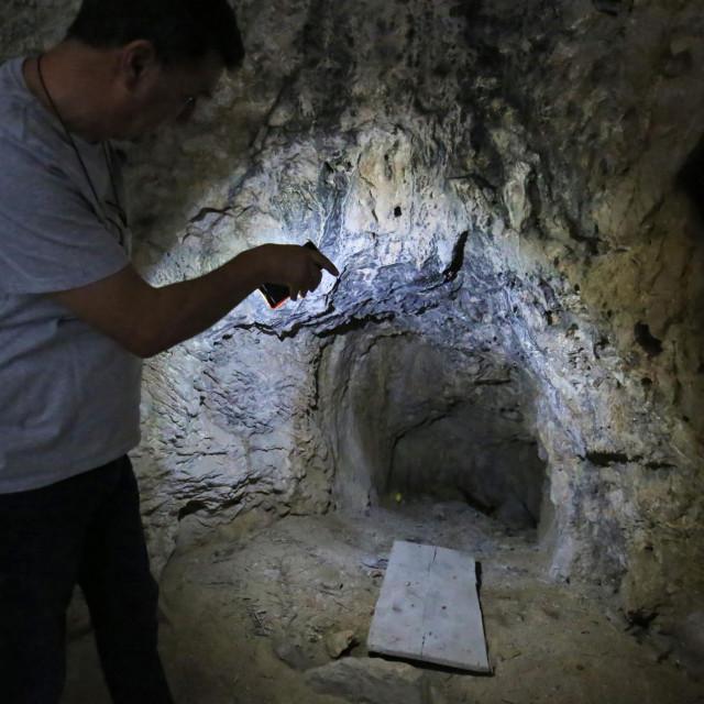 Prostor je imao i svoj 'krov', jer je propuštao vodu koja se slijevala s više razine terena