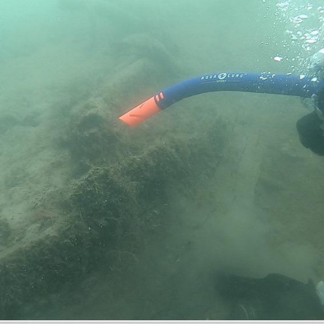 Jedan od ronilaca pred monoksilom<br />