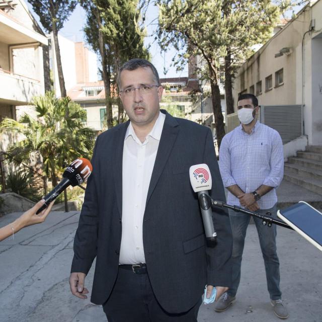 'Građane se na birališta može službeno pozvati najmanje 30 dana prije planiranog datuma, a ne samo 13 dana', upozorili su Kotur i Matijević