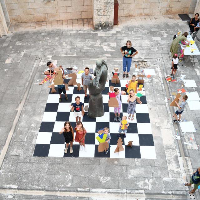 Kultura u điru u znaku šaha
