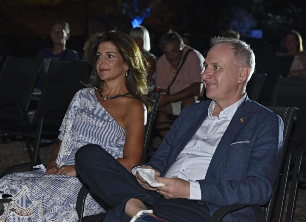 Andro Krstulović Opara sa suprugom Danielom na festivalu