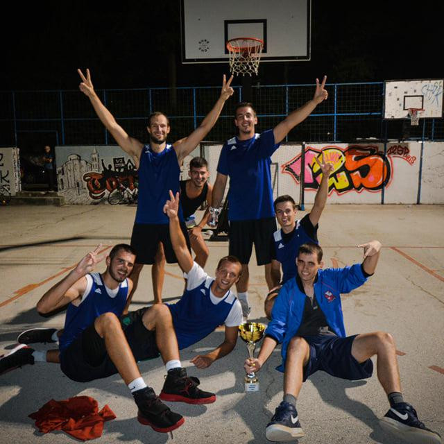 Pobjednik turnir Streetball Mornarica ekipa JDK