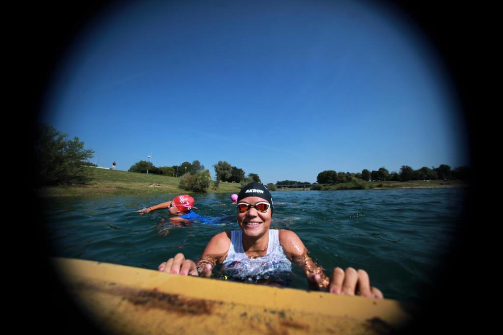 U vodi zagrebačkog Jaruna - Ana Lučić (Triatlon klub Dubrovnik) foto: Tonči Vlašić
