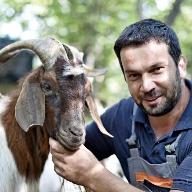 Jakov Čagalj Šići:Lani sam misec i po ovde u komadu odrapija. Bilo mi je savršeno - koze, ovce, krave, priroda, šuma, divota. Uživa san