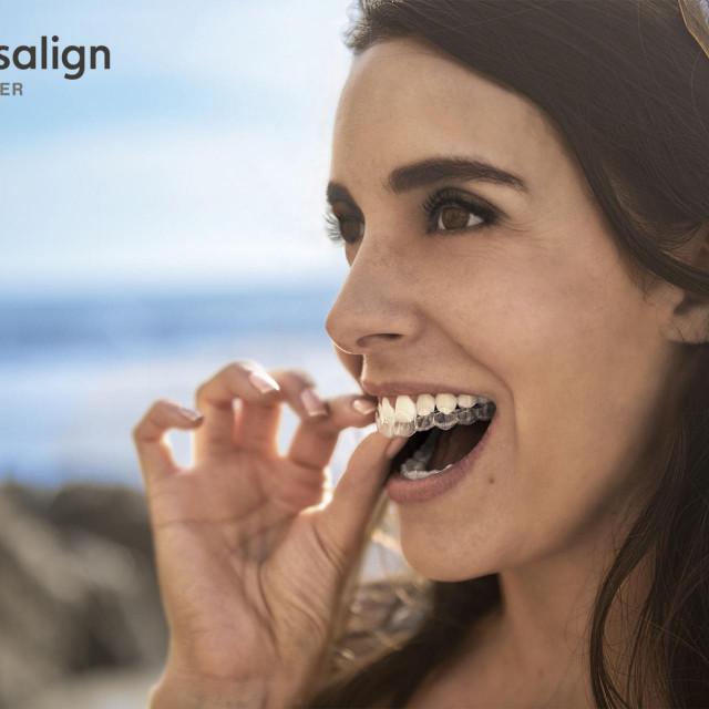 Nevidljivi aparatić za zube