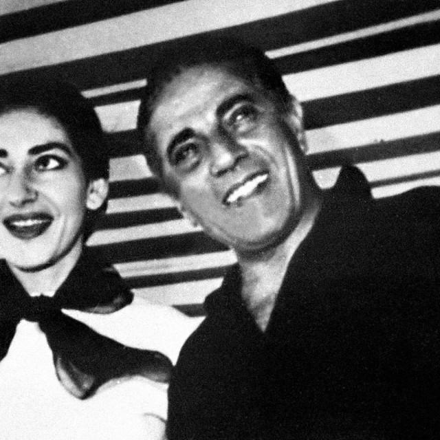 S Aristotelesom Onassisom - bila mu je ljubavnica sve do kraja njegova života