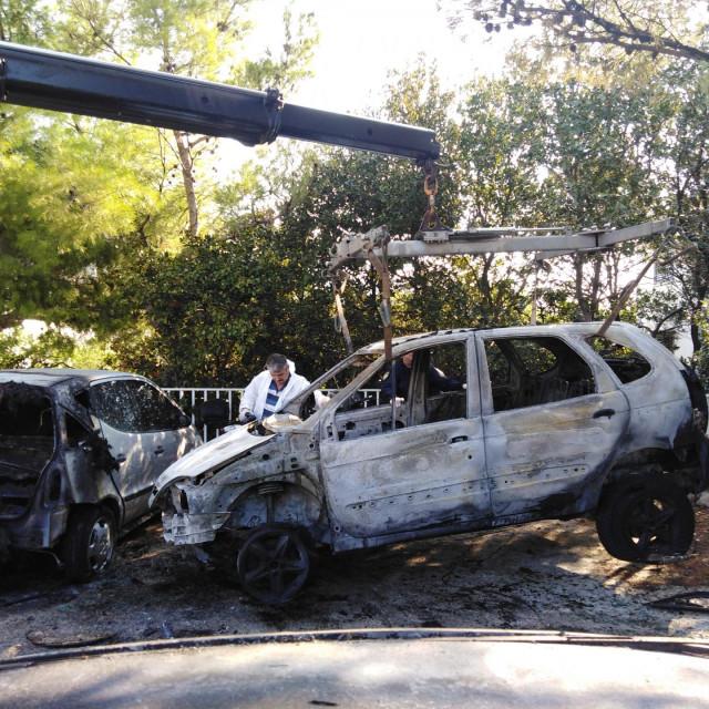 Požar na Gorici zahvatio je tri automobila