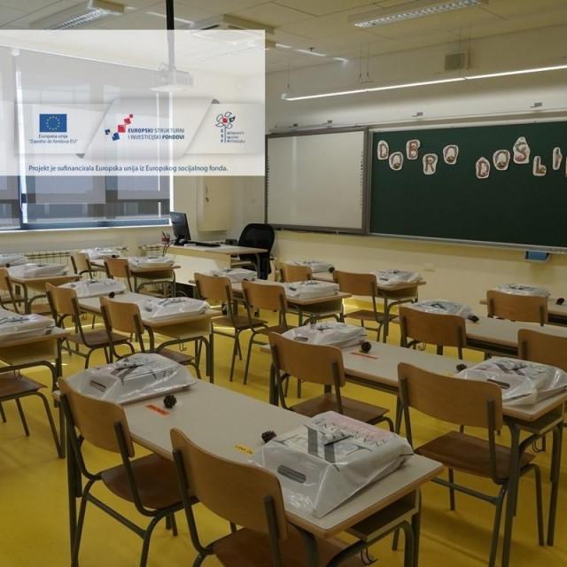 Zaposleno je 38 pomoćnika u nastavi za rad s učenicima s teškoćama u razvoju