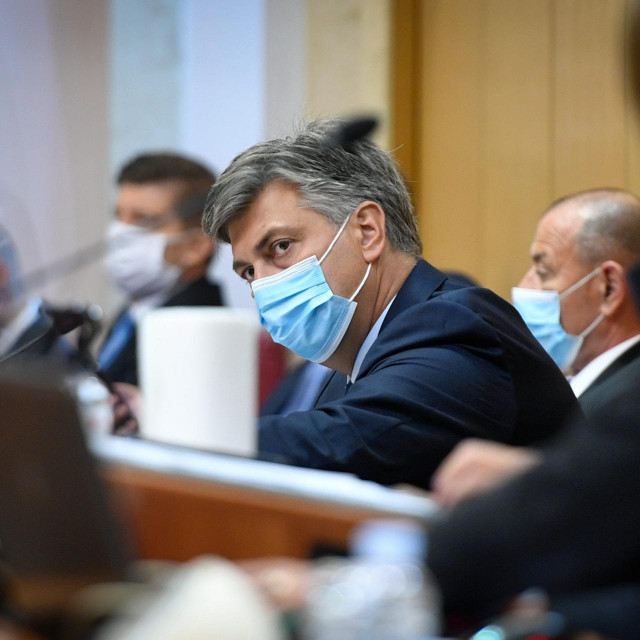 Predsjednik Vlade i HDZ-a uzvraćao je na sve kritike, a naročite optužbe oporbenih zastupnika