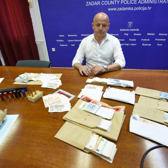 Zadarska policija s 'ulovom' kojeg su braća iz Kruševa tek planirala preprodati