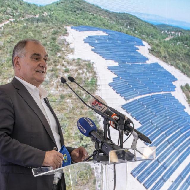 Investicija na Visu vrijedna je 31,3 milijuna kuna,a realizirana je u suradnji s tvrtkom Končar