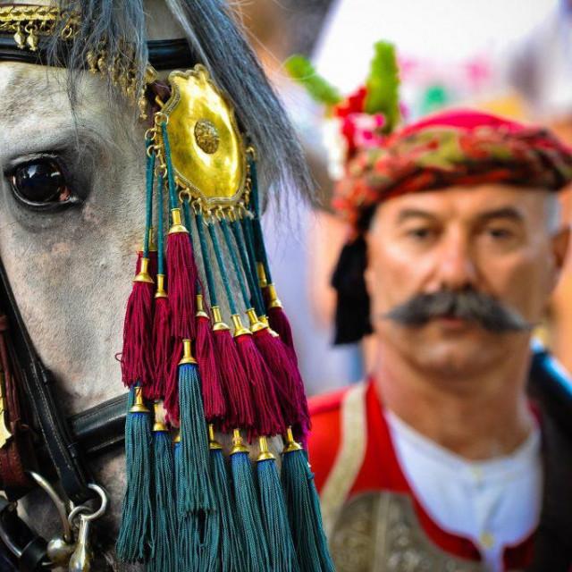 U sklopu ovog projekta globalnoj publici otkrit će se 25 hrvatskih nematerijalnih tradicija koje će doprinijeti daljnjem pozicioniranju Hrvatske kao turističke destinacije bogate i raznolike ponude