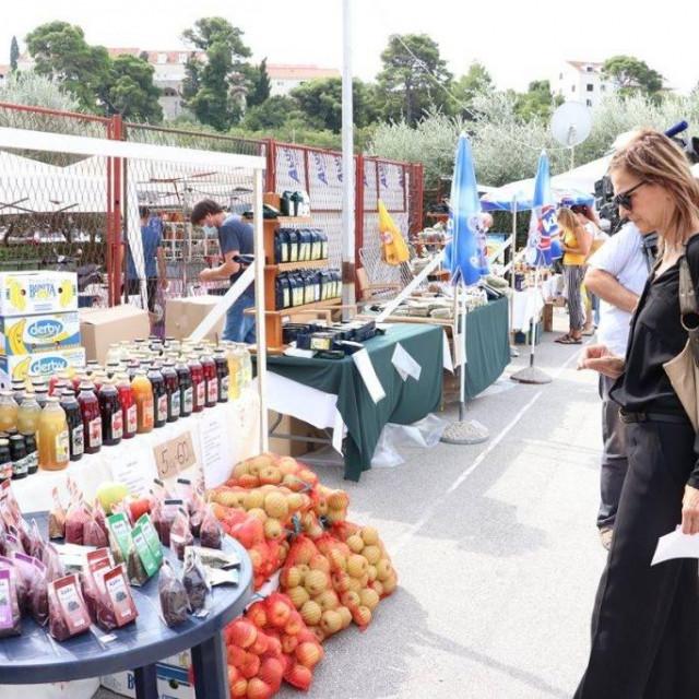 Mediteranski sajam zdrave prehrane u Gospinom polju obišla je zamjenica župana Žaklina Marević