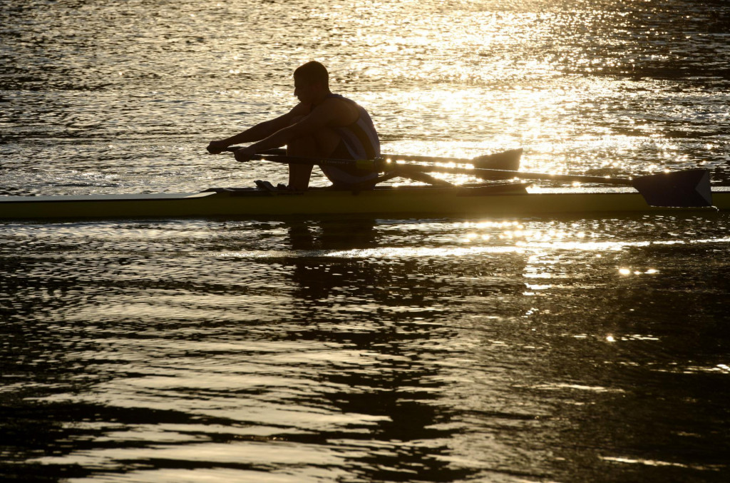 Članovi zadarskog veslačkog kluba Jadran, snimljeni jutros u uvali Jazine
