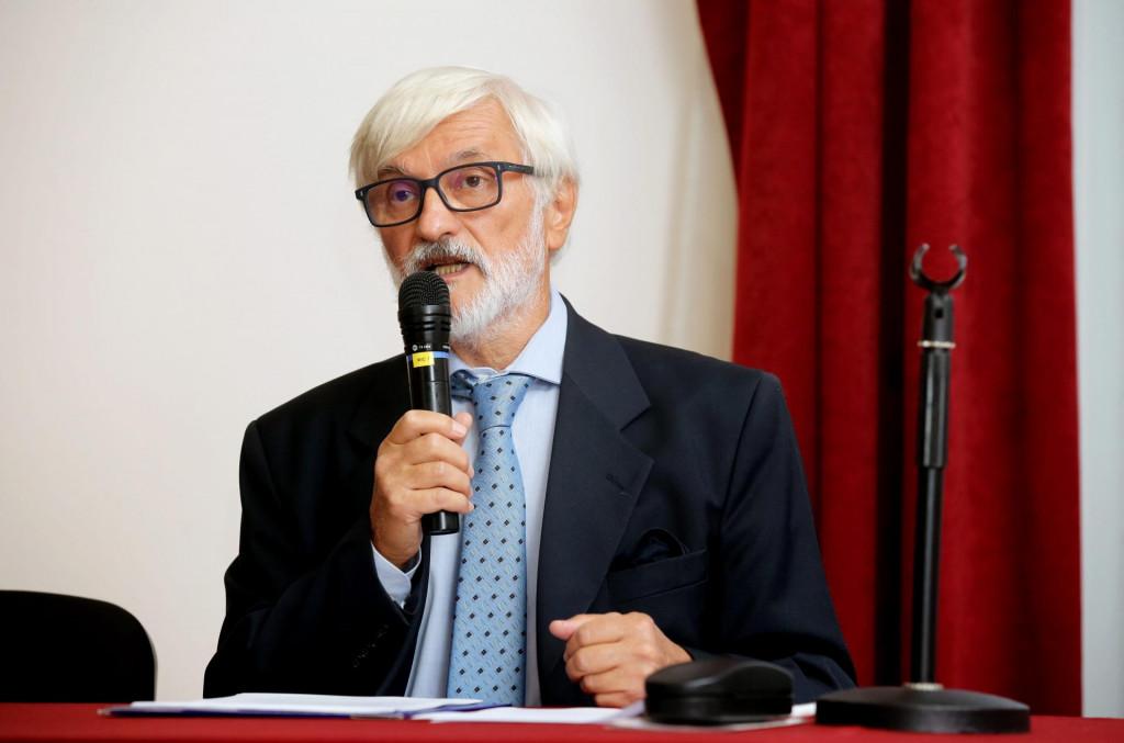 Teatrolog Boris Senker pročitao je uvodni mediteranski esej