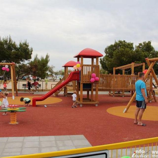 Dječje igralište na Srimi