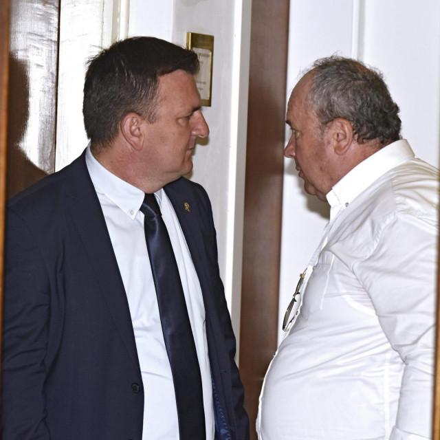 Željko Kerum u povjerljivom razgovoru s Petrom Škorićem
