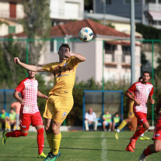 Derbi 1. kola, Komin: Gusar - Croatia 0:2 foto: Tonči Vlašić