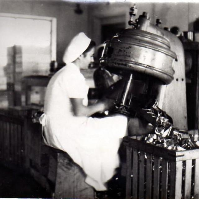 1 Rad u vrijeme socijalizma i poslijeratne modernizacije i industrijalizacije<br /> OSOBNI ARHIV