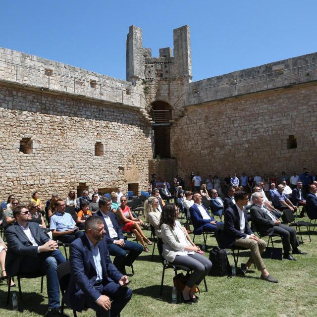 Kaštel Morosini Grimani u Svetvinčentu, čije vođenje projekta obnove potpisuje nagrađena Nataša Nefat