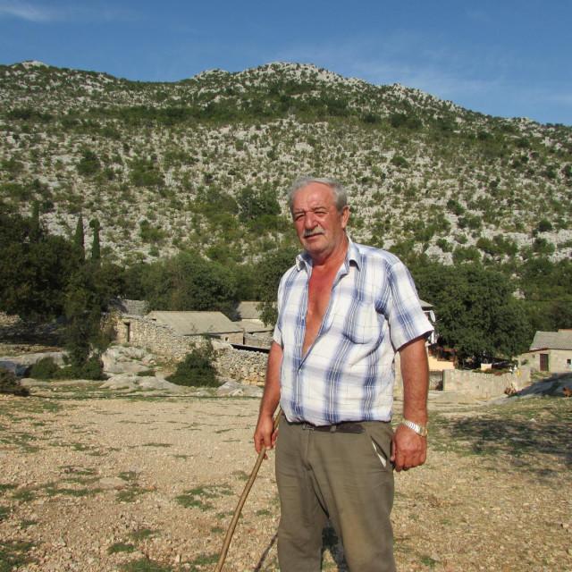 Nediljko Matak živi na Velebitu od rođenja