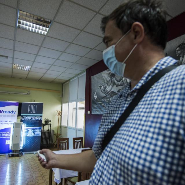 Tvrtka UV Ready donirala je domu za starije i nemoćne tri UV-C svjetiljke Osram za prostor dnevnog boravka doma