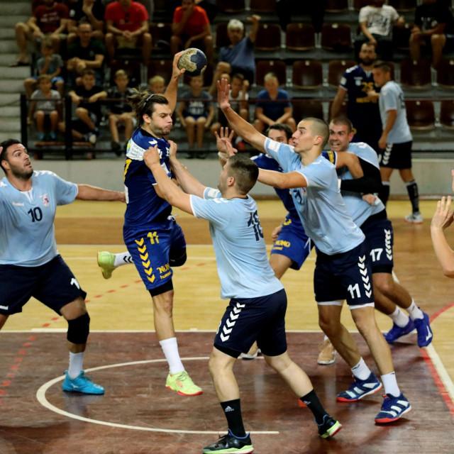 Dubrovnik, 210919.<br /> Premijer liga rukometasa, Dubrovnik - Umag.<br /> Na fotografiji: Filip Glavas, Maro Dabelic.<br />