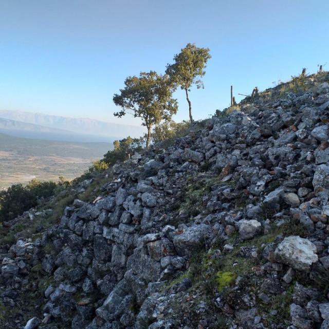 Purkin kuk - najveća prapovijesna gradina na otoku Hvaru