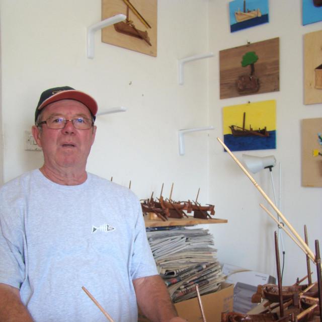 Strastveni ribolovac i lovac je izradio 70-ak malih gajeta