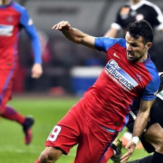 Adnan Aganović u dresu Steaue (FCSB-a)
