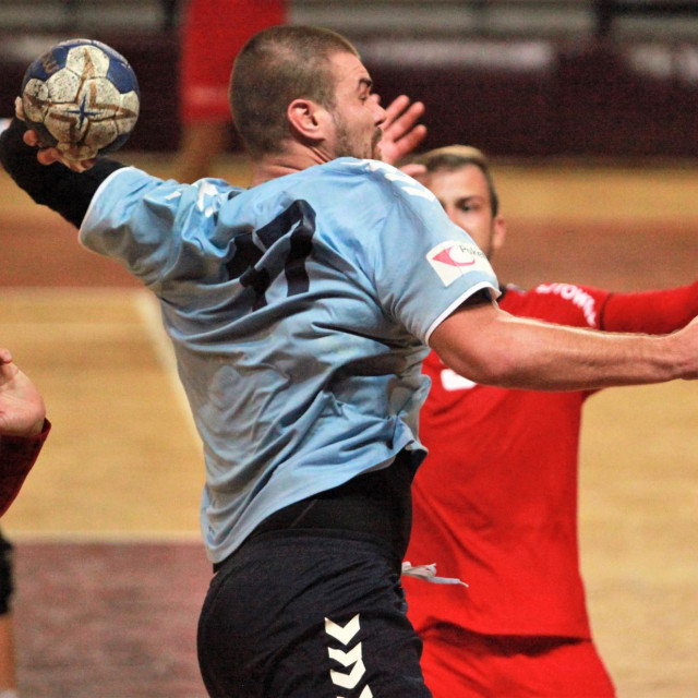 Tomislav Radić je postigao prvi pogodak za RKHM Dubrovnik protiv Poreča foto: Tonči Vlašić
