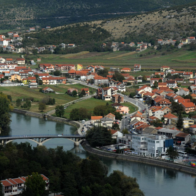 Šipić je za održavanje tradicije u kontroliranim uvjerima, a Bugarin je protiv i za takav stav ima potporu Stožera civilne zaštite