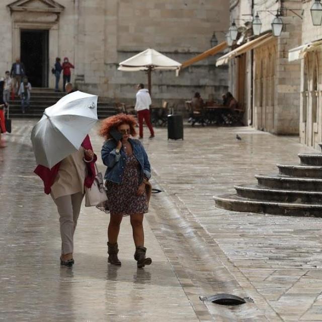 Kišna špica sa Straduna u prvom tjednu ovogodišnje jeseni