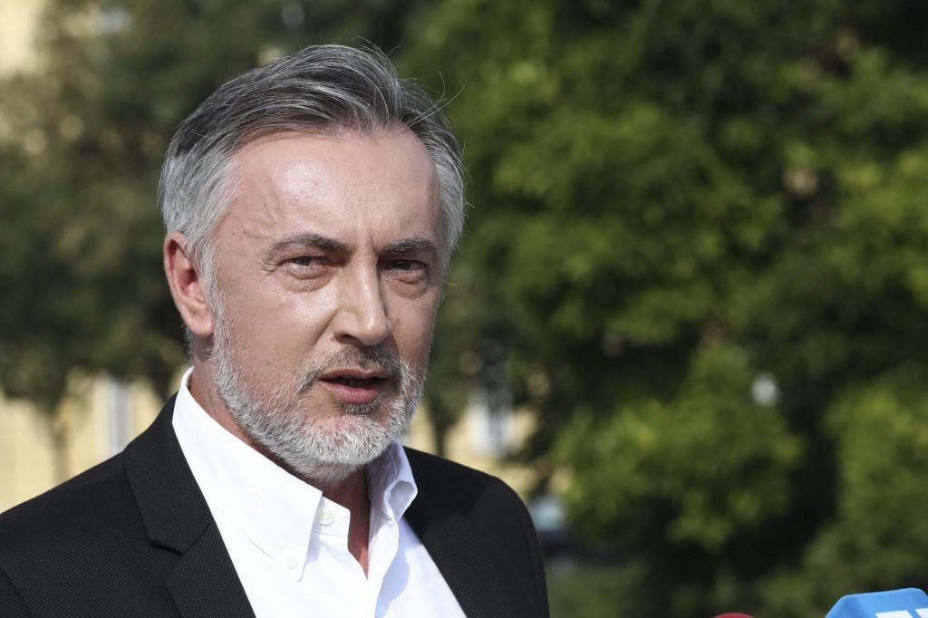 Zadarski - Miroslav Škoro: Da netko iz Banskih dvora mrtvu kokoš predloži  za predsjednika Janafa, u Saboru bi to izglasali