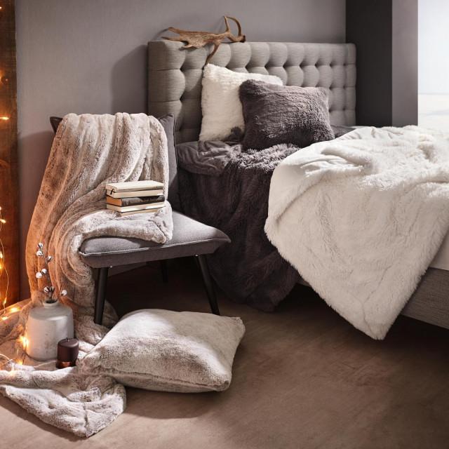 Siva krznena deka, 150x200 cm - 599 kn