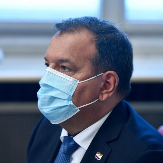<br /> Na fotografiji: Vili Beros, ministar zdravlja.<br />