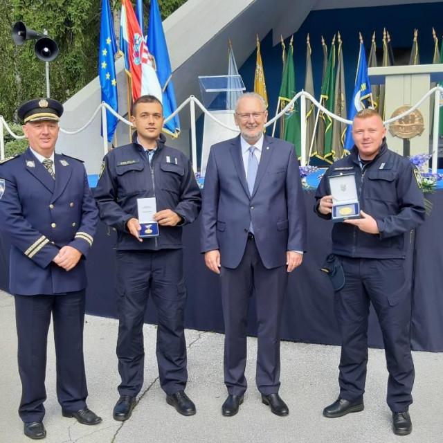 Medalje Mati Batinoviću, Vedranu Crniću, Ivanu Deliću i Ivanu Šutalu
