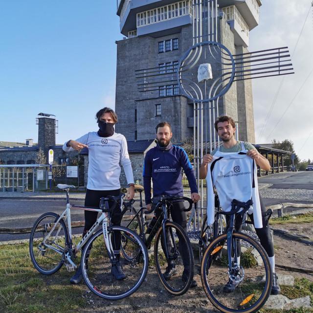 Slijeva: Tomislav Mrkonjić, Marko Marić i Miljenko Mrkonjić, trojka koja biciklima ide na put od 1500 kilometara, uključujući put preko Alpa