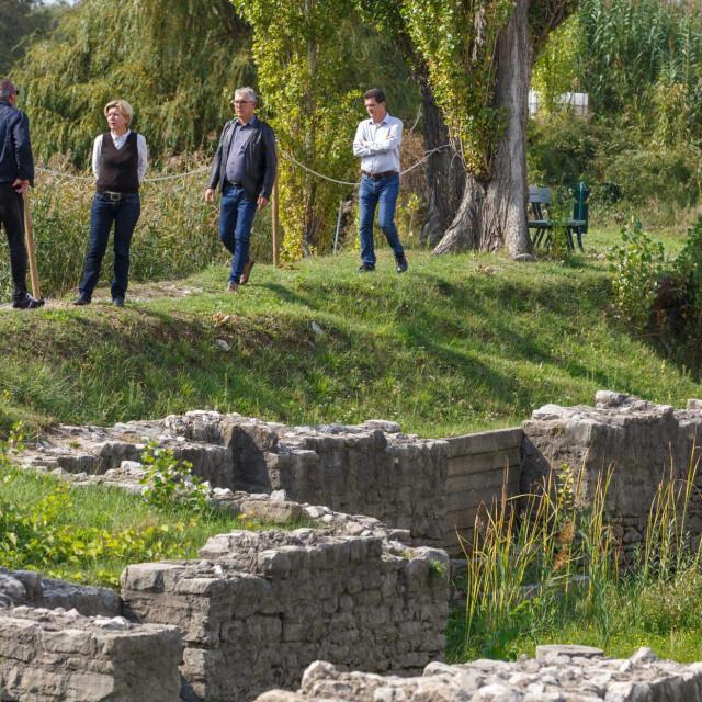 Predstavnici grada i Miroslav Katić pored nalazišta