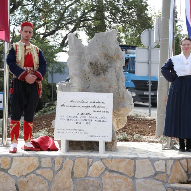 Otkrivanje spomen ploča na Brgatu i u Platu u spomen na obranu Župe dubrovačka od srbo-crnogorske agresije