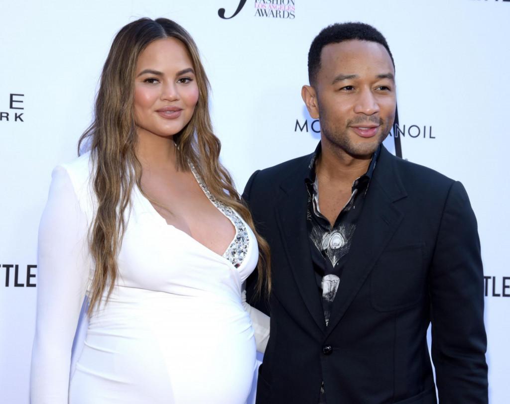 Chrissy Teigen i suprug John Legend