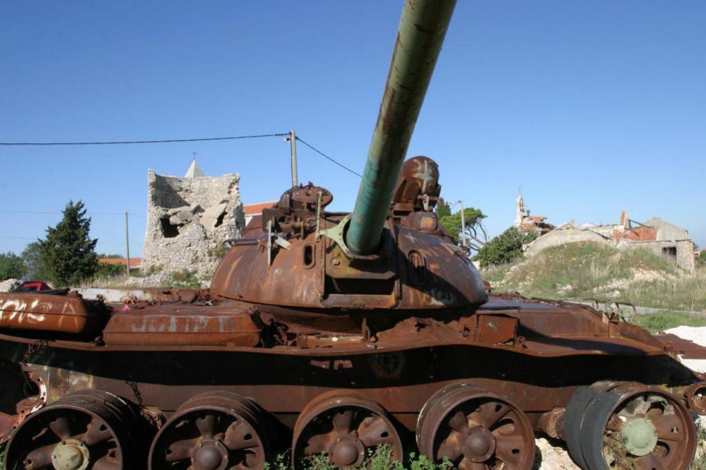 Pogođeni tenk na Dračevcu u Zadru