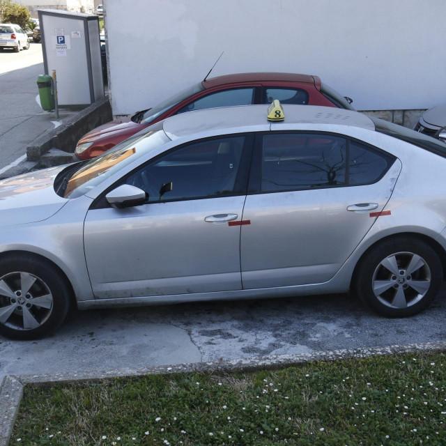 Automobil pokojnog Čorića pokraj PP-a Makarska