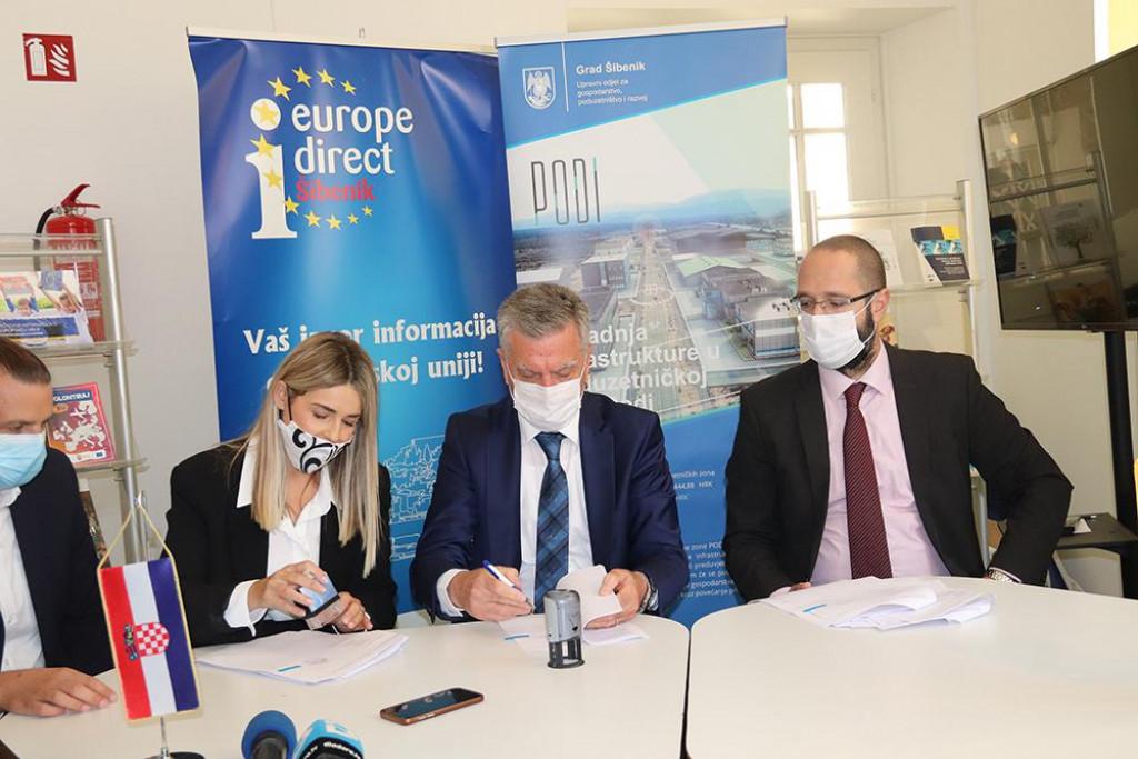 Potpisan ugovor za infrastrukturno uređenje Poduzetničke zone Podi