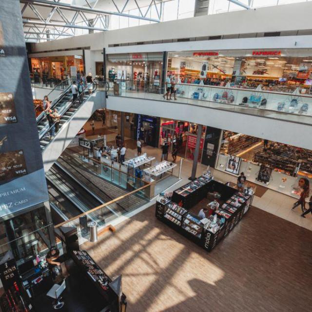 Jesenski shopping uz super popuste