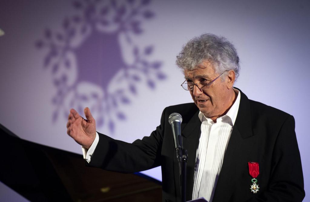 Francuski veleposlanik u Hrvatskoj Gael Veyssiere dodijelio je odlikovanje viteza Francuske legije časti akademiku Miroslavu Radmanu.<br />