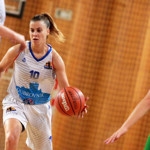 Iva Todorić (Ragusa) - 'triple double' protiv Pule foto: Tonči Vlašić