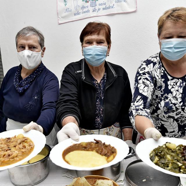 Jelica Muše, Manda Muše i Tonka Barić
